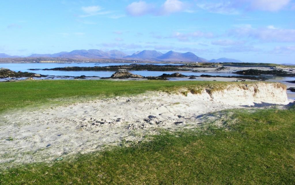 Mannin beach from the approaching field